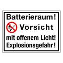 Batterieraum! Vorsicht mit offenem Licht! Explosionsgefahr! (mit Symbol P003)