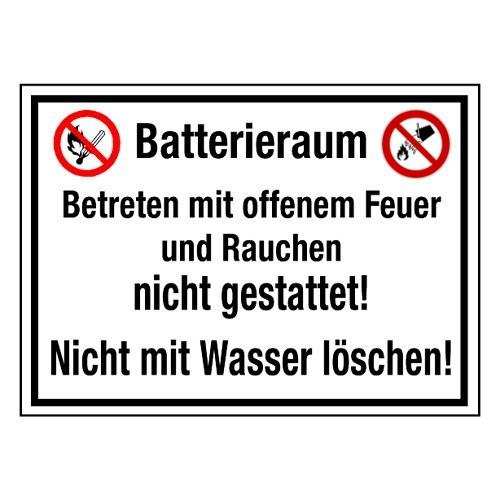 Batterieraum Betreten mit offenem Feuer und Rauchen nicht gestattet! Nicht mit Wasser löschen! (mit Symbolen P003 und P011)
