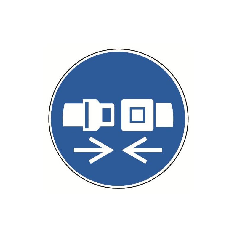 Rückhaltesystem benutzen - M020